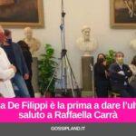 Maria De Filippi la prima a dare l'ultimo saluto alla Carrà