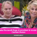 Katia Ricciarelli finge di accettare le scuse di Carmen Russo